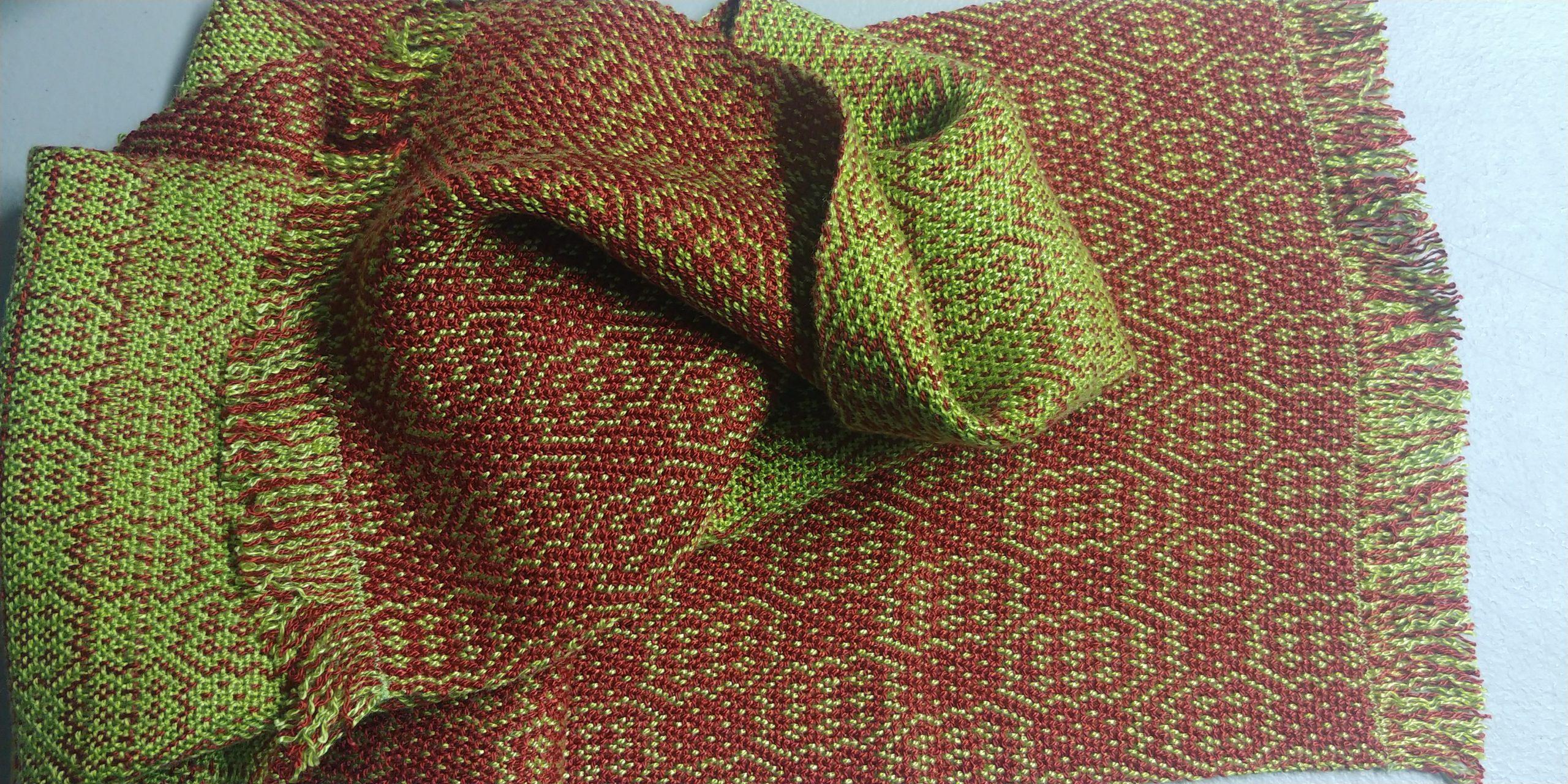 Complimentary Plain Weave - Red Stone Glen